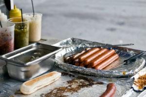 Hotdog stand, image by Thinkstock/iStock