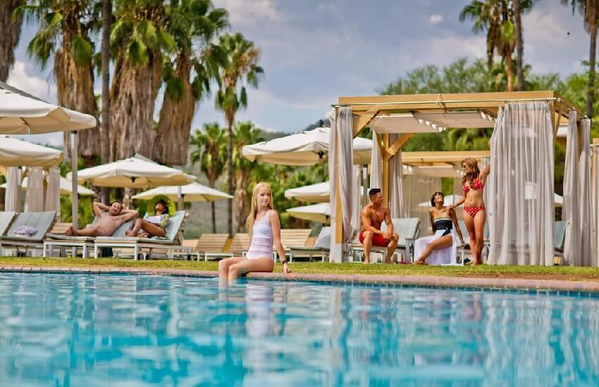 Cabanas Hotel Pool
