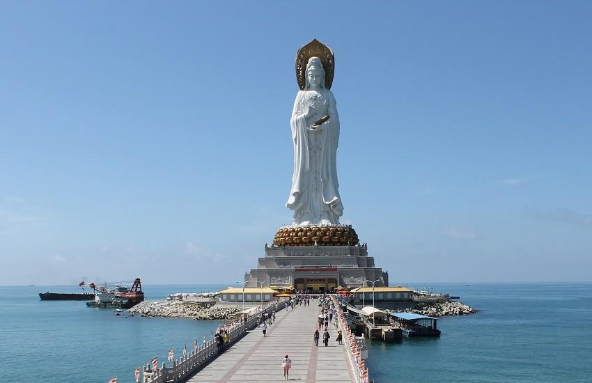 Hainan Island Buddhist Park Statue