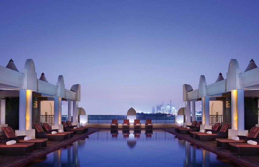 Hotel Health Club Pool