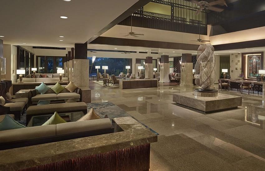 Hotel Ocean Wing Lobby