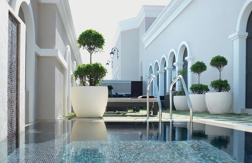 Hotel Spa Pool