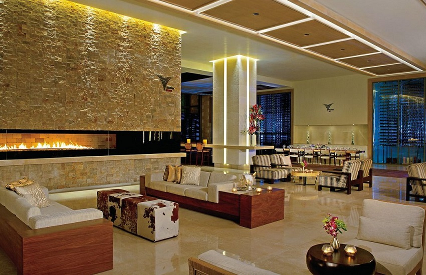 Hotel Vine Library