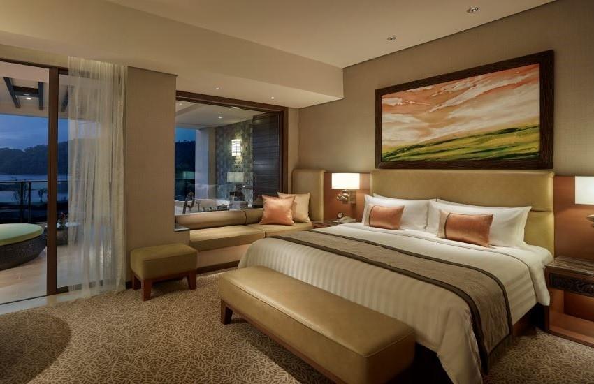 Ocean Wing 2 Premier room