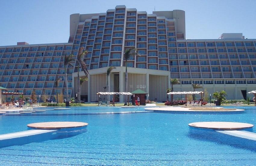 Pool Main