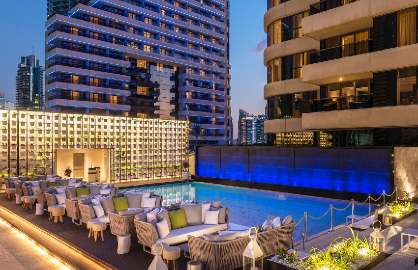 Pool Siddharta Lounge