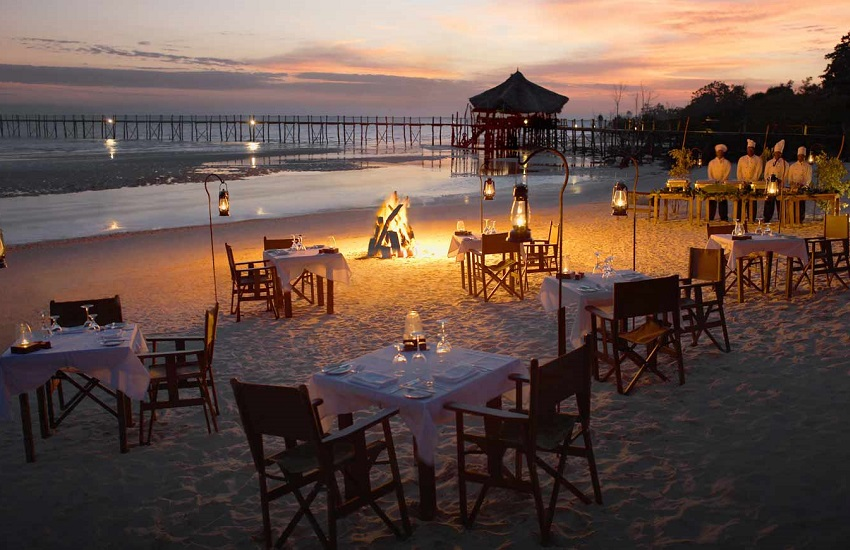 Restaurant Beach Dining