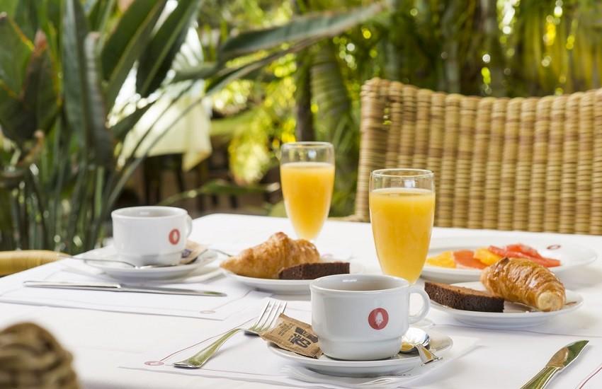 Restaurant Breakfast