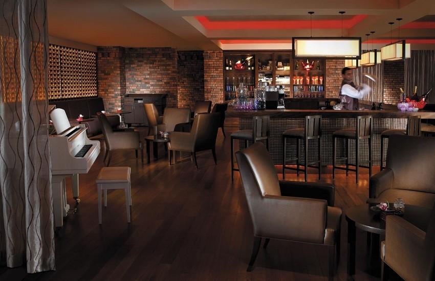 Restaurant Feringgi Bar