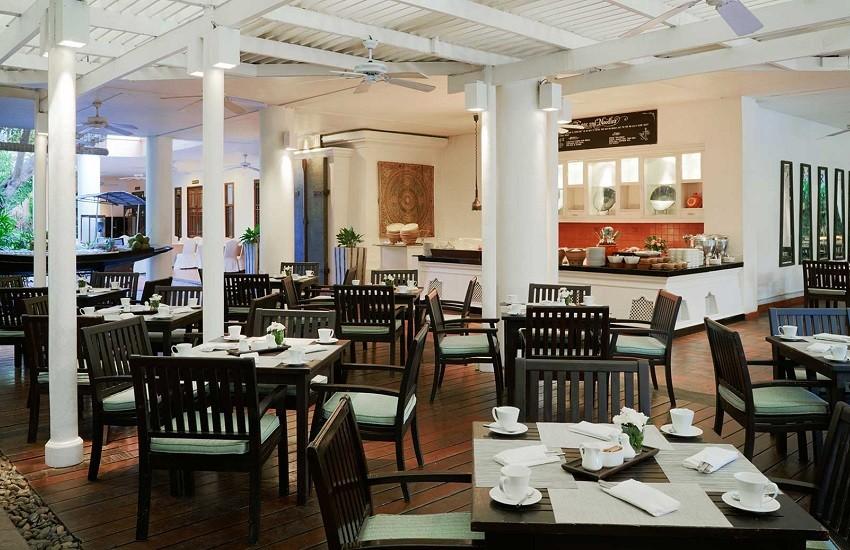 Restaurant Issara Cafe