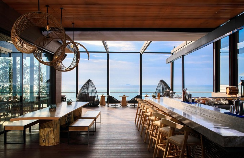 Restaurant Pebbles Bar