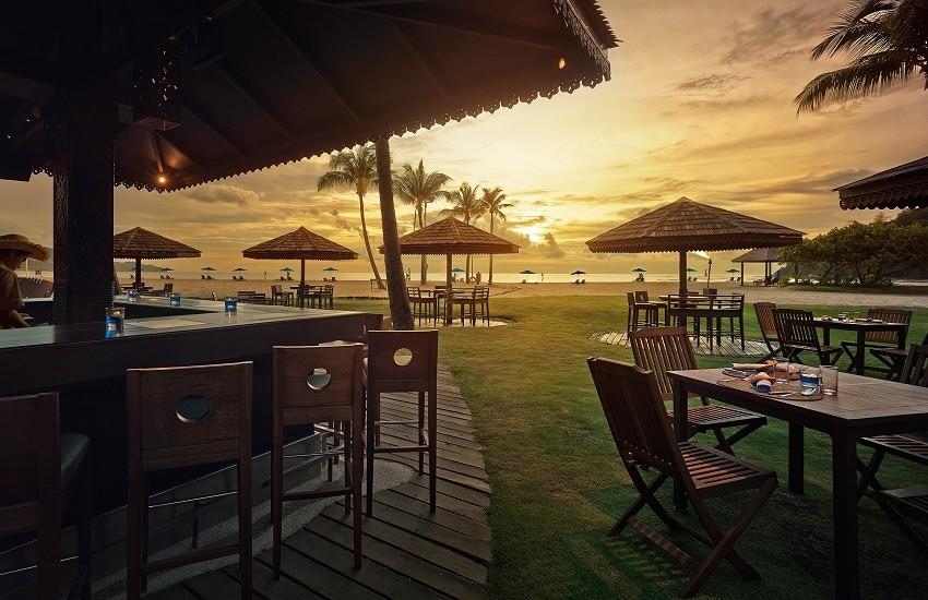 Restaurant Sampan Bar