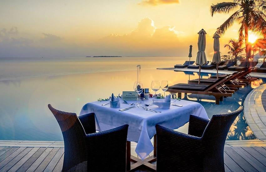 Restaurant Sangu Pool Dinner