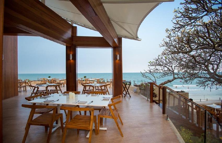 Restaurant Sea View