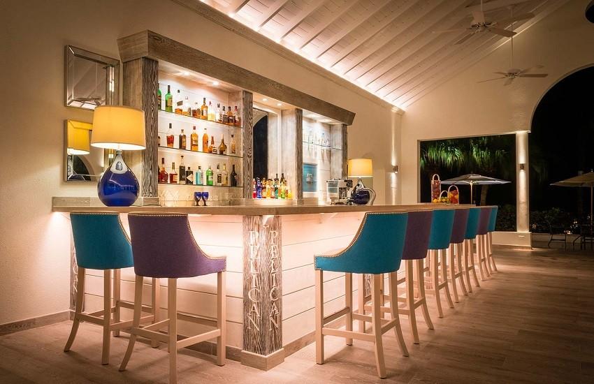 Resturant Pelican Bar