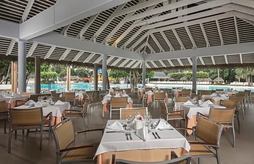 Resturant Pool