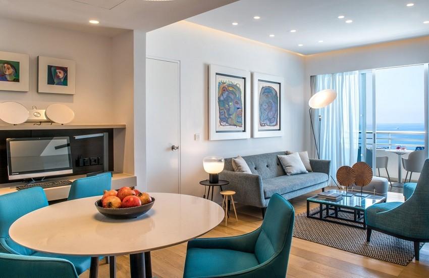 Room Aareti Lounge