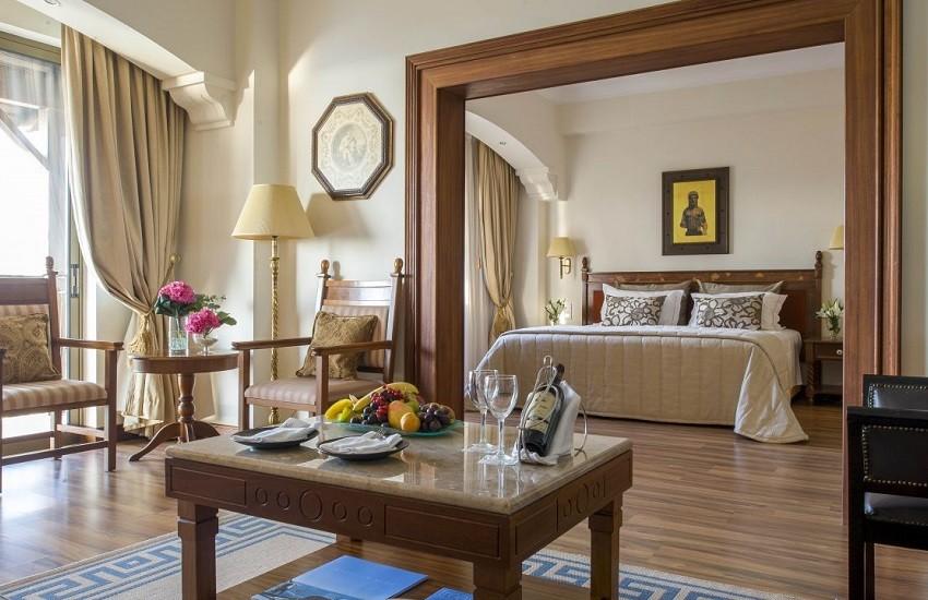 Room Artemis Suite
