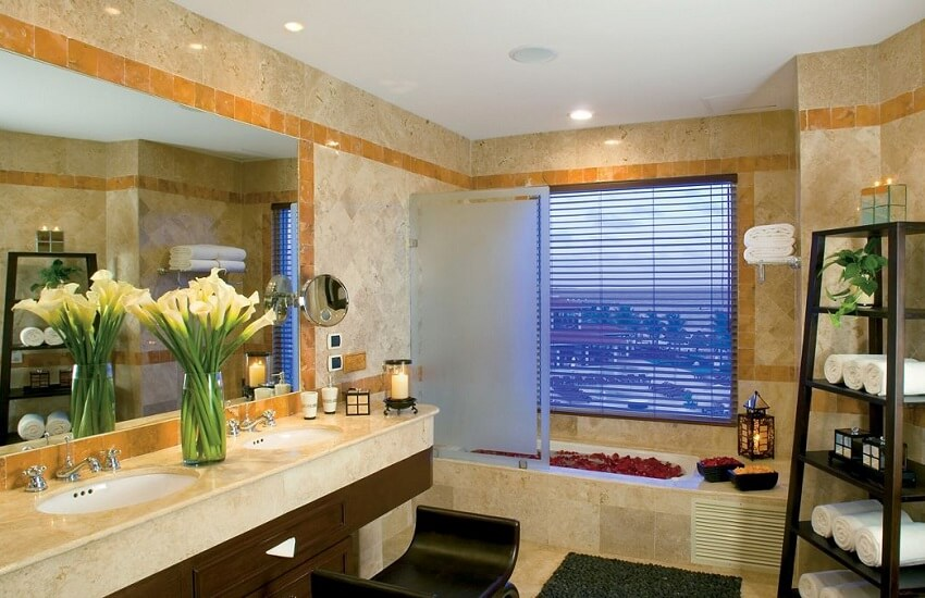 Room Bathroom Suite