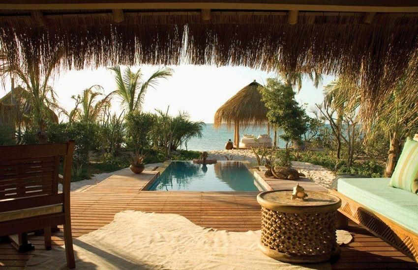 Room Beach Hut