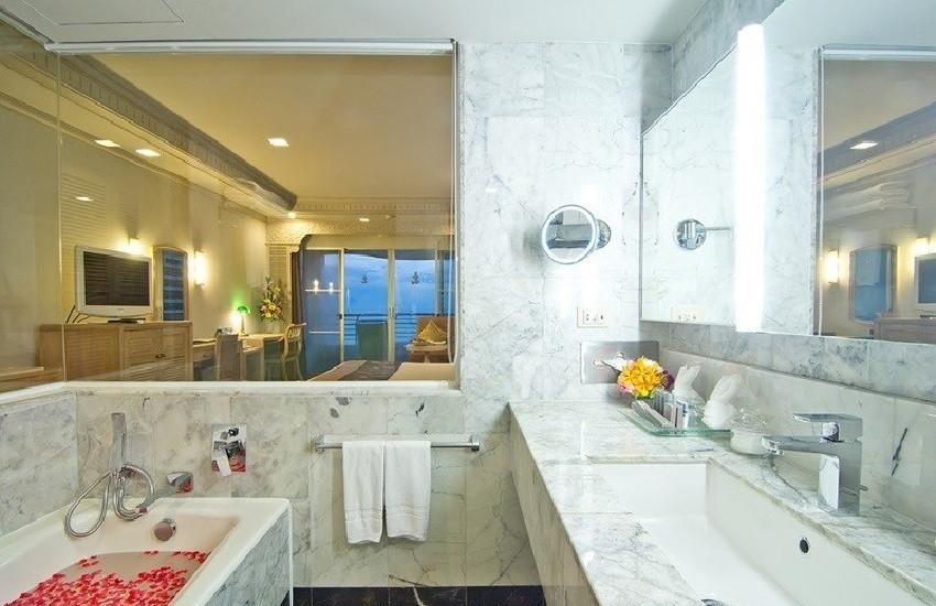Room Grand Bathroom