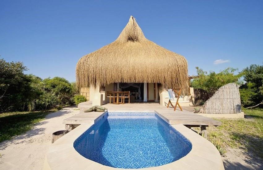 Room Hut Pool