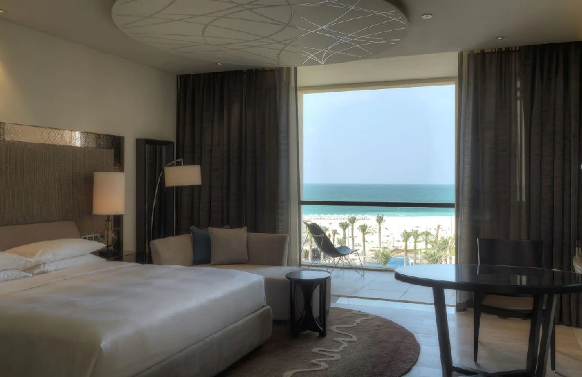Room King Sea View