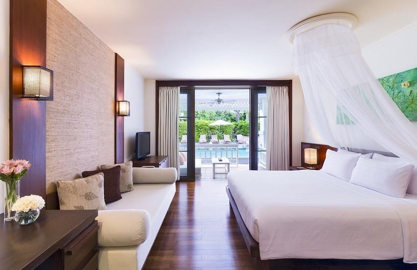 Room Lanai Pool Access