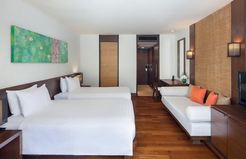 Room Lanai