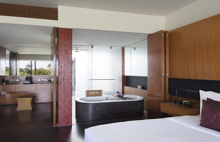 Room River Suite