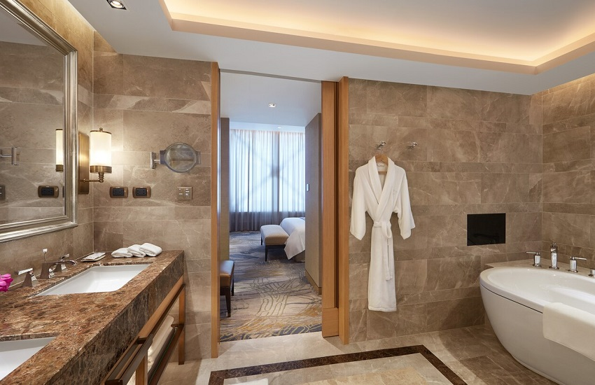 Room Suite Bathroom