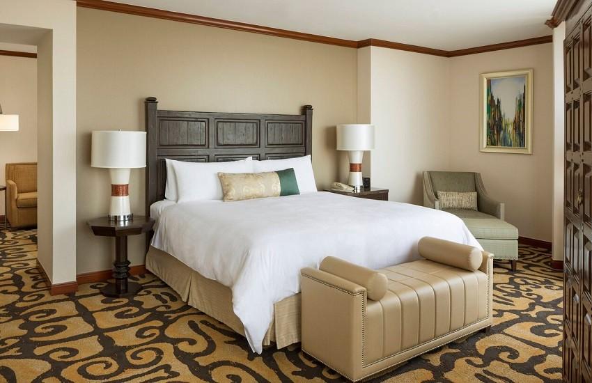 Room Suite Bedroom