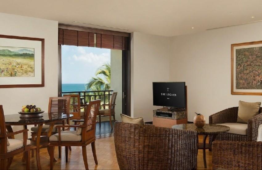 Room Suite Living Area