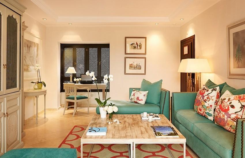 Room Suite Living