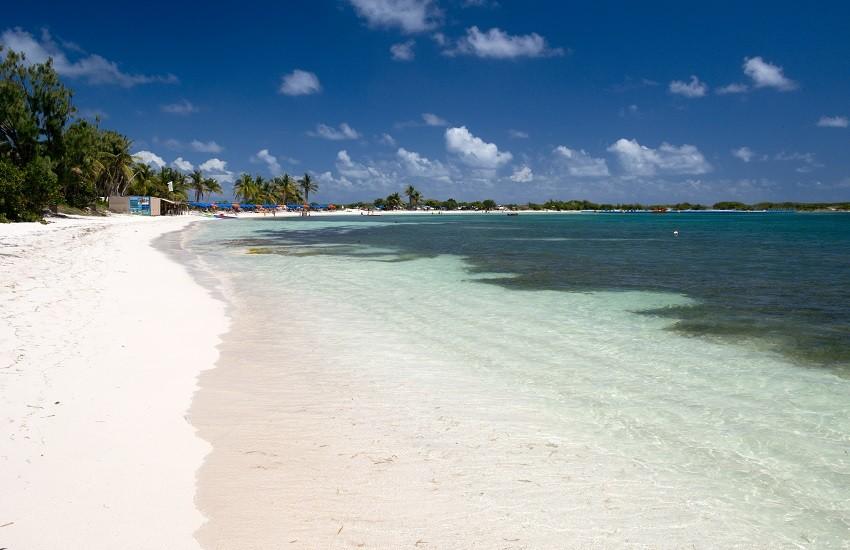 St Martin Orient Bay
