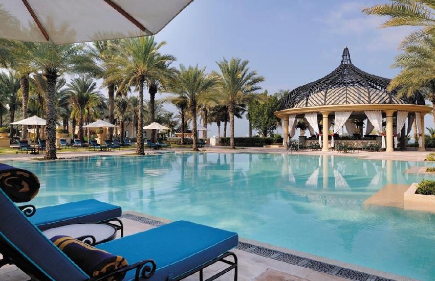 Pool Grand