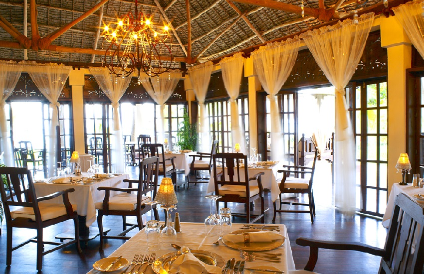 Restaurant Main1