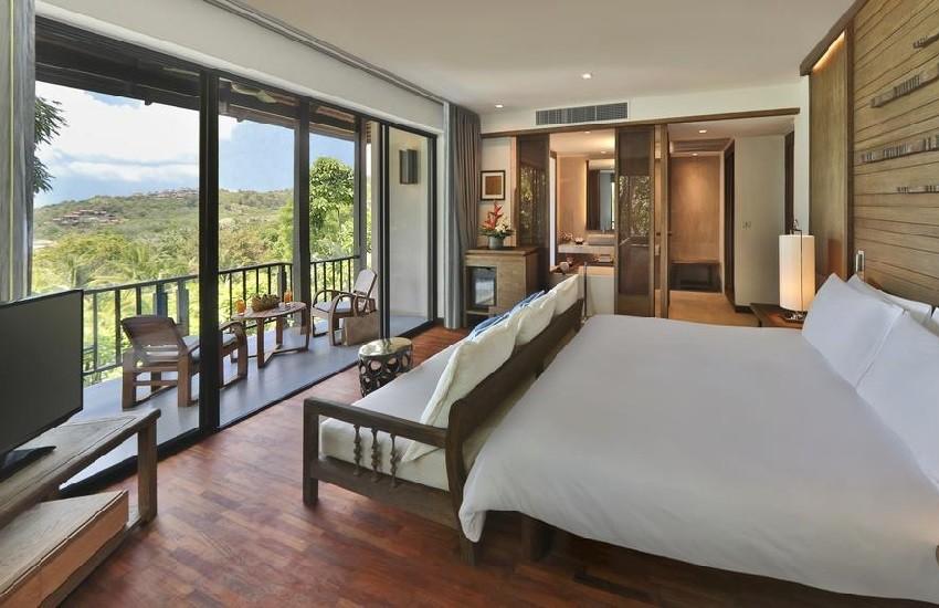 Room Hillside2