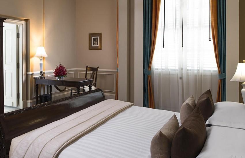 Room Landmark Suite