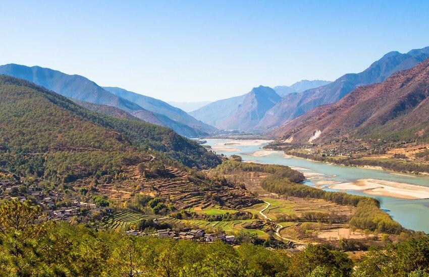 Yangtze River First Curve